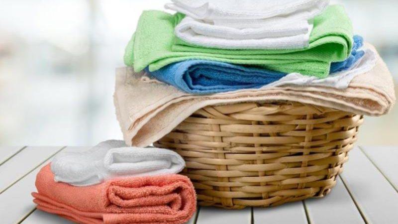 Biancheria lavata e stirata